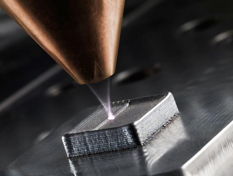 Laser metal deposition (LMD) makes it possible to create multi-layer workpieces which, if need be, may comprise differing alloys which are bonded one with another.